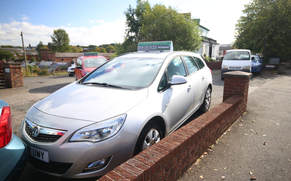 11 VAUXHALL ASTRA 1.4 EXCLUSIV ESTATE, 5 DR SILVER 58K ...